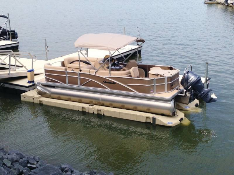 EZ Pontoon Lift